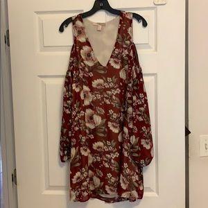Forever 21 long sleeve cold shoulder flowy dress